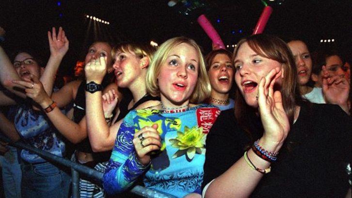 """""""Comet 2000"""": Teenager bejubeln ihre Stars"""
